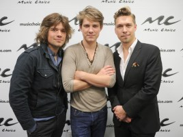 Zac Hanson, Taylor Hanson and Isaac Hanson (L-R) (Photo by Jamie McCarthy/Getty Images)