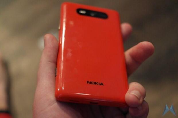 nokia-lumia-820-5
