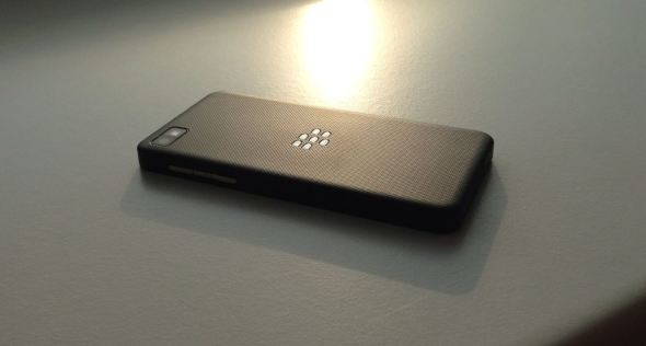 blackberry_z10_back