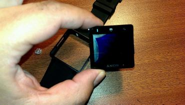 Sony Smartwatch 2 Teardown VIDEO0042_0000019335