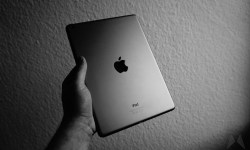 Apple iPad Header