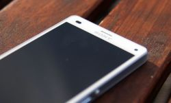 Sony Xperia Z3 Compact Header IMG_3006