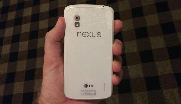 Nexux 4, valkoinen