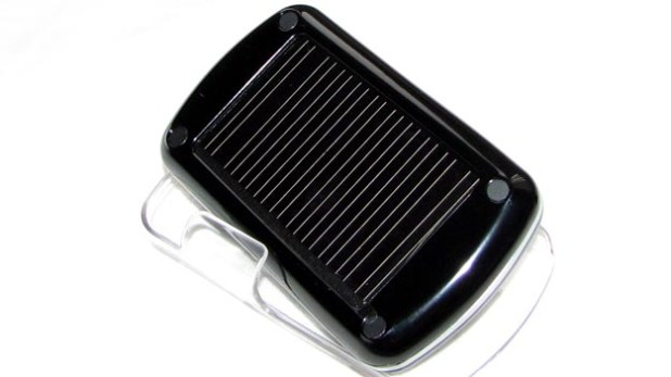 REVIEW - Scosche solCHAT Solar Bluetooth Speakerphone
