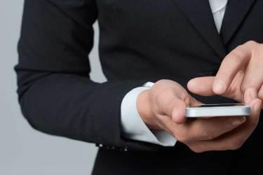 Afinal de contas, um aplicativo distrai meus funcionários ou aumenta a produtividade?
