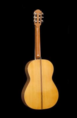 Chitarra classica in cipresso vista posteriore