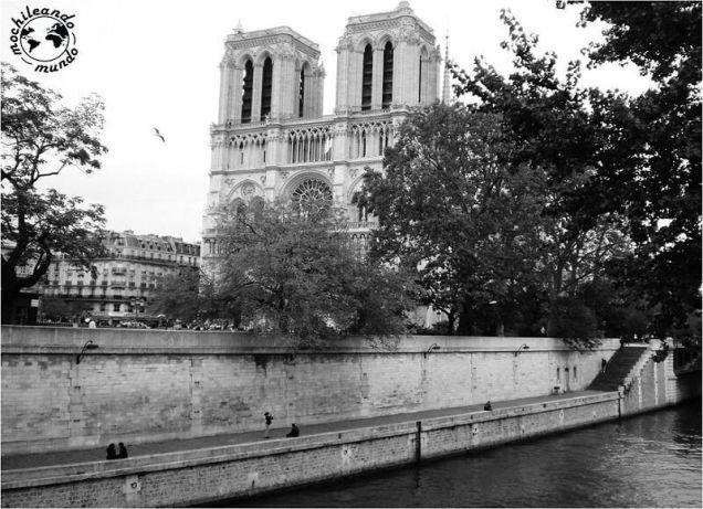 LO-MEJOR-DE-PARIS-QUE-HACER-EN-3-DIAS-NOTRE-DAME