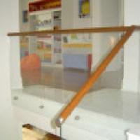 Corrimão de madeira  forte com designer moderno e de luxo