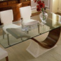 Mesas de vidro que são um charme para sala de jantar