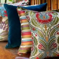 Almofadas coloridas que servem para vários ambientes