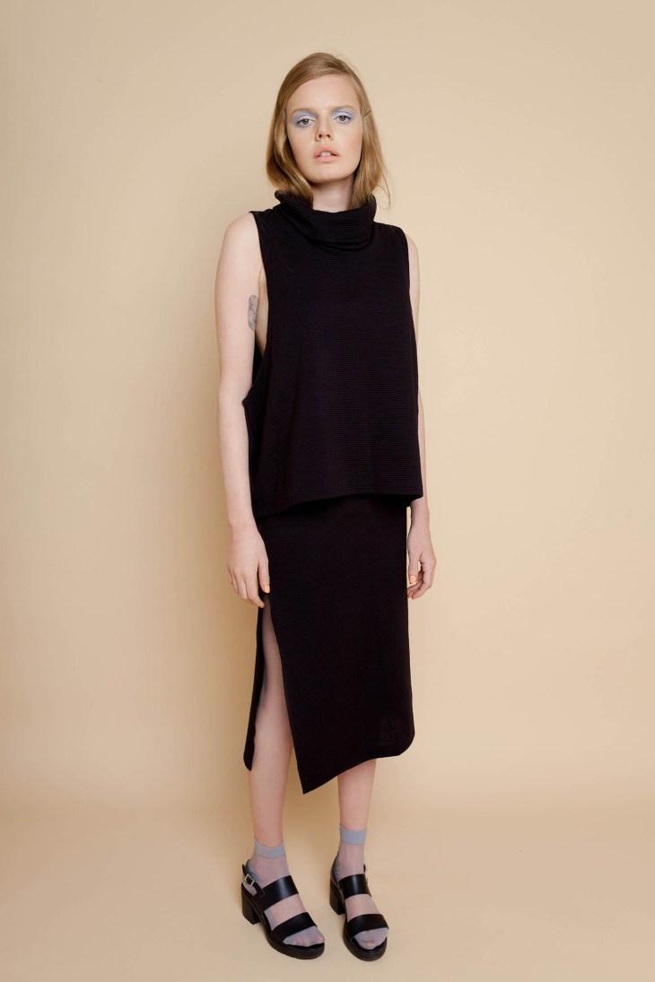 black_top_skirt_set