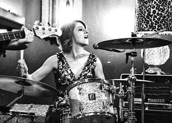 Elaine Bradley of Neon Trees : Modern Drummer Magazine