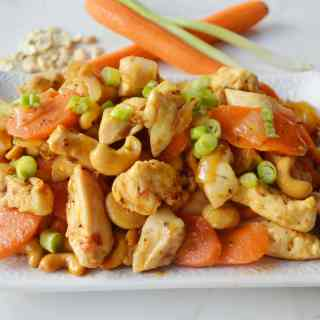Honey Cashew Chicken by Modern Honey - www.modernhoney.com