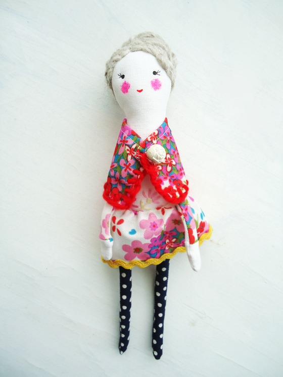 modflowers: Julie doll - with modesty-preserving shawl