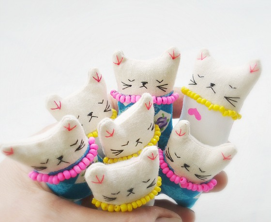 modflowers: itty bitty kitties
