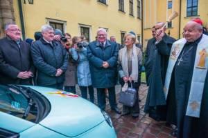 Przekazanie przez FCA Poland samochodów marki Fiat Komitetowi Organizacyjnemu ŚDM 2016.