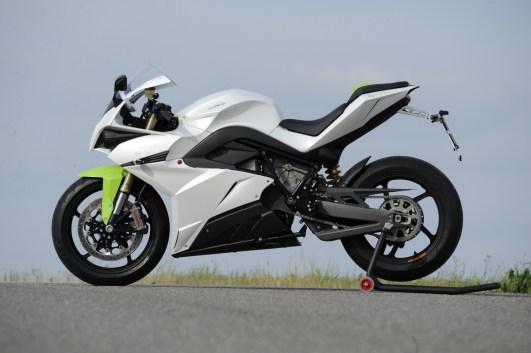 Solide aufgebaut und gestaltet, alles aber nur als Fingerübung. Motorrad fahren kann man damit leider nicht.