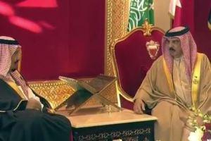 صحيفة بحرينية تكشف أهمية زيارة خادم الحرمين الشريفين للبحرين