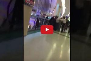 فيديو.. شاب يتحرش بزوجة مواطن أمام عينيه والمواطن يحاول رميه من الدور الثالث