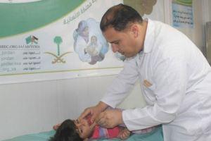 العيادات التخصصية السعودية تتعامل مع 588 حالة مرضية من أبناء اللاجئين السوريين في مخيم الزعتري
