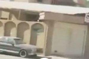 بالفيديو.. مشجع يطلي منزله بلون الهلال كتعبير عن حبه للنادي