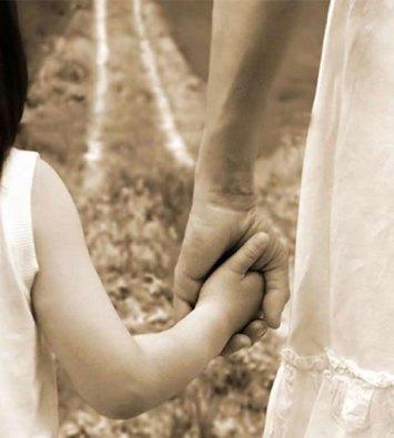 mamma-e-figlia-di-spalle-momastyle015