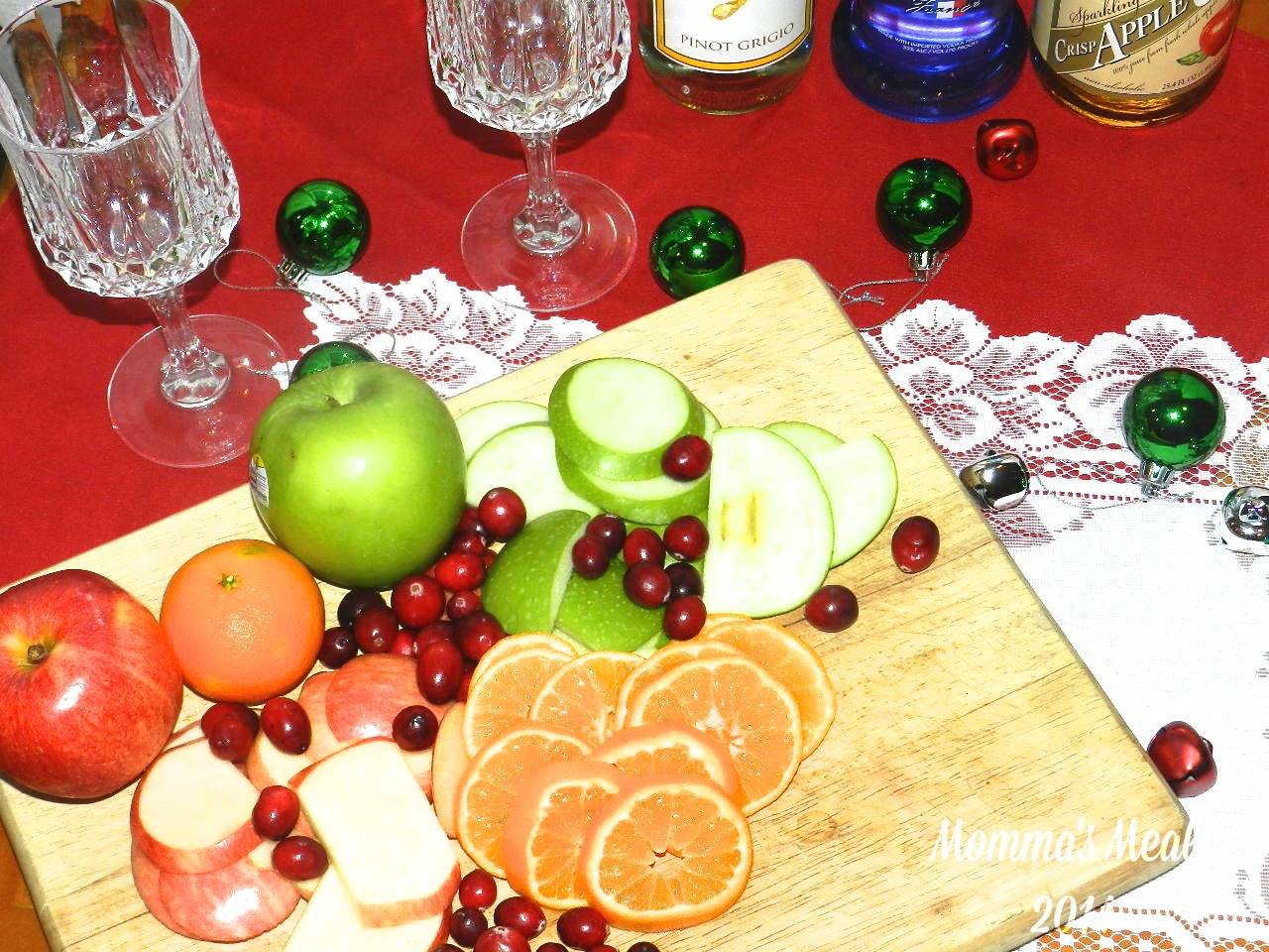 Holiday Sangria Surprise for #SundaySupper - Momma's Meals