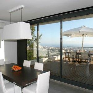 balcon aluminio gris