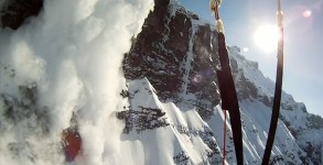 Avalanche-Cliff-Jump