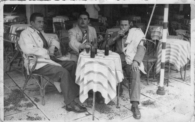 Zarco Pasqualin con Aristide Malsani e un'amico sul liston