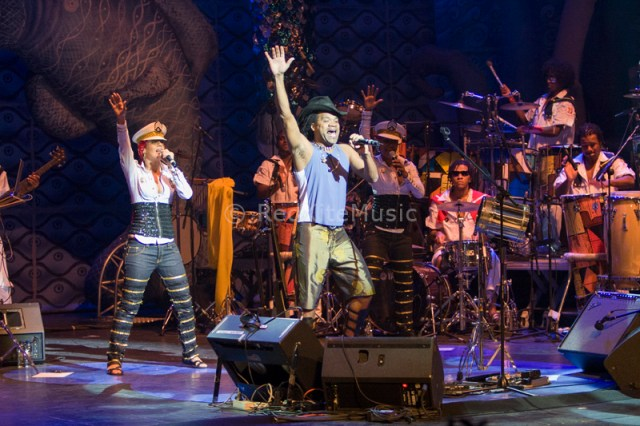 CARLINHOS BROWN 3 copia