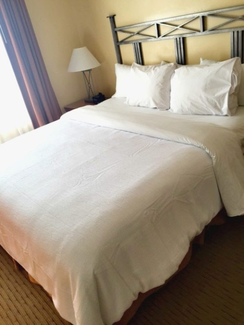 Bedroom of the Embassy Suites in Phoenix-Scottsdale