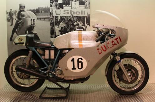 Paul Smart's beautiful silver Ducati