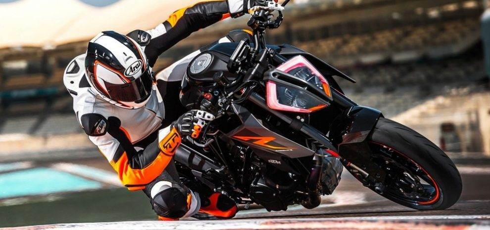 ktm 1290 super duke r 2017 the beast motorbike fans. Black Bedroom Furniture Sets. Home Design Ideas