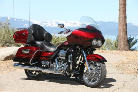 The Road Glide Ultra is the latest addition to Harley-Davidson&amp;rsquo;s high-end CVO line. This Rio Red and Black Ember with Quartzite graphics package is one of three color schemes to choose from.