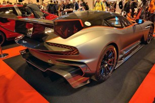 28_Aston Martin Vulcan - Autosport
