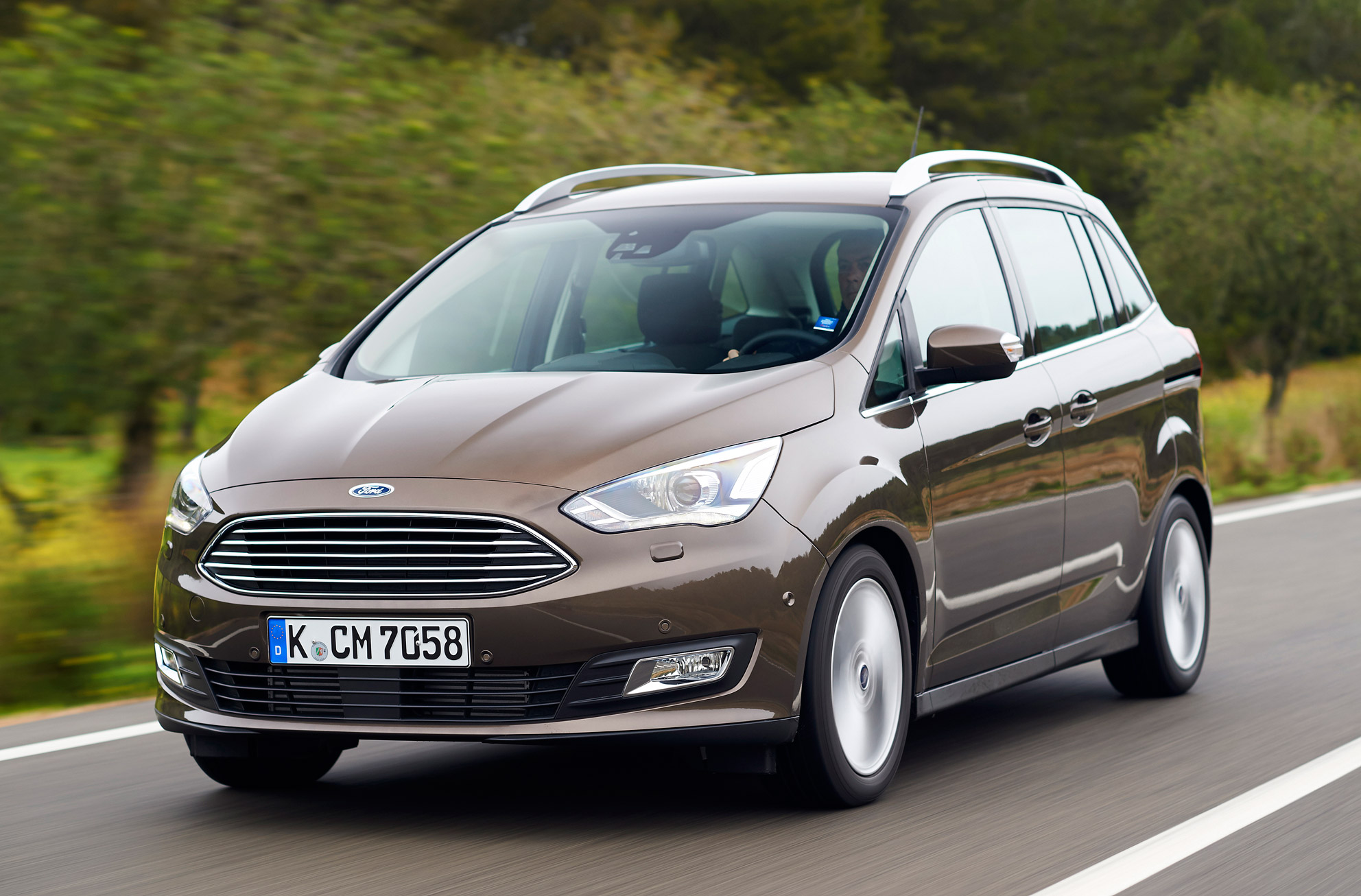 Ford updates the popular seven seat Grand C Maxpact MPV with a