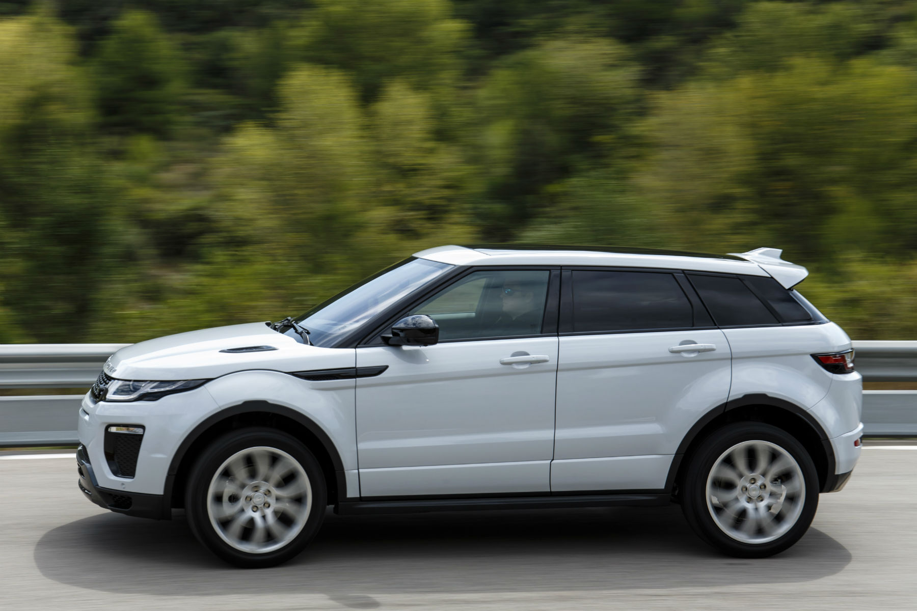 range rover evoque review 2015 first drive. Black Bedroom Furniture Sets. Home Design Ideas