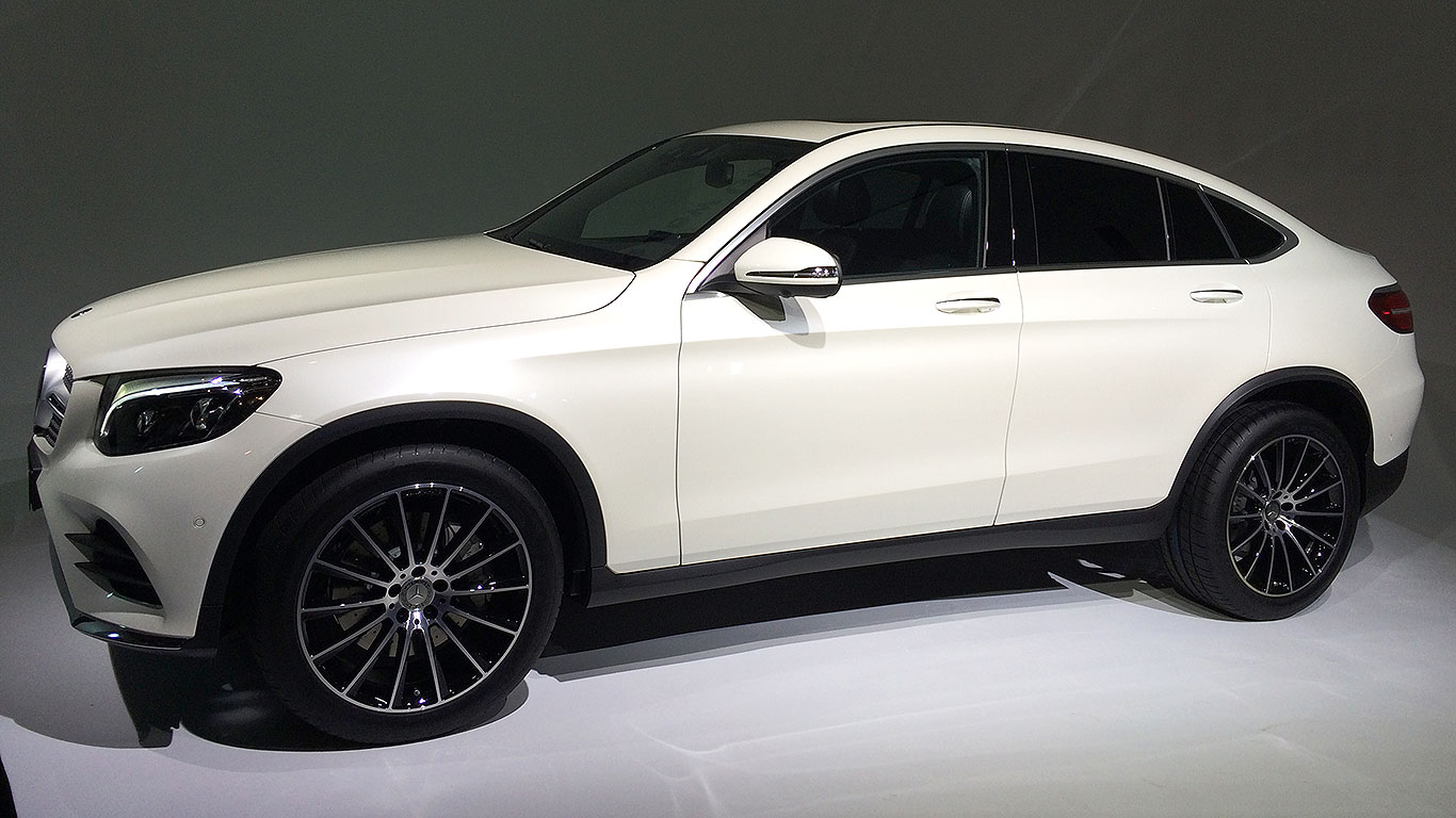 2016 mercedes benz glc coupe revealed in new york for Mercedes benz of new york