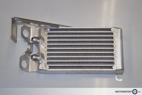 BMW-1M-Oelkuehler_01