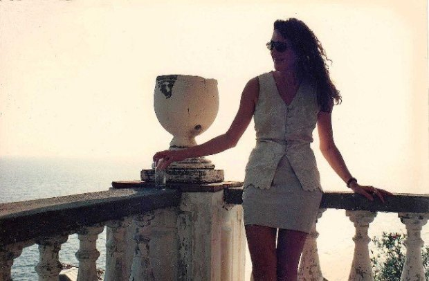 Diane Drake in Italy during the making of Only You