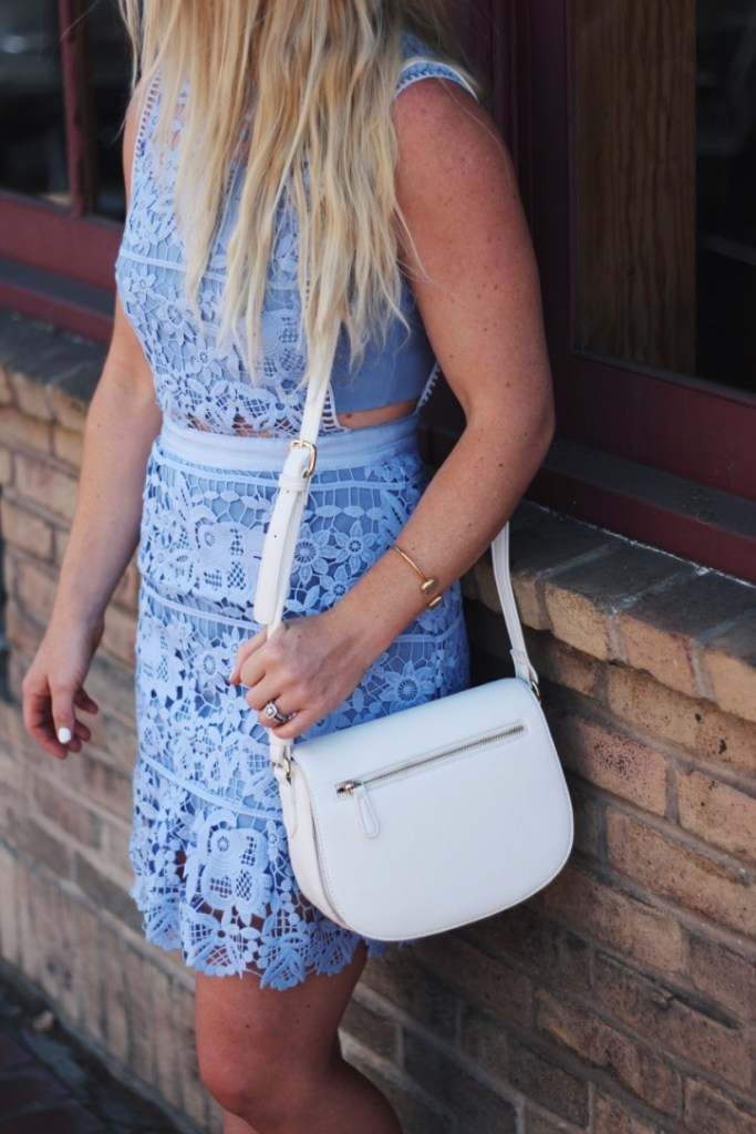 all-white-handbag