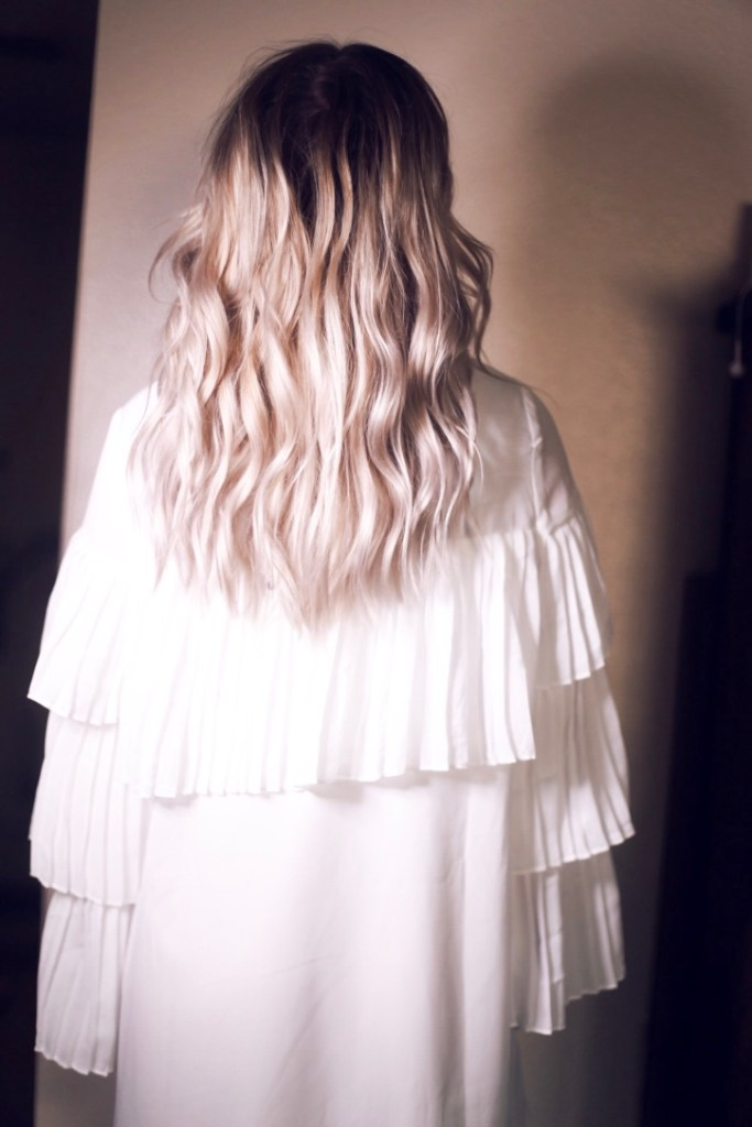 everyday curls hair tutorial by Christine Bennett of moxiefashionblog.com
