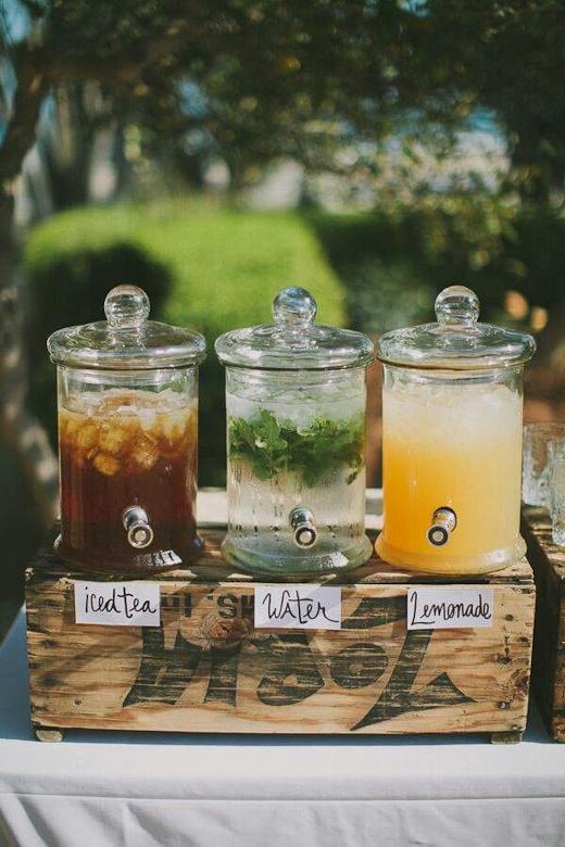 dispensadores de bebeidas - como decorar una fiesta en el jardin