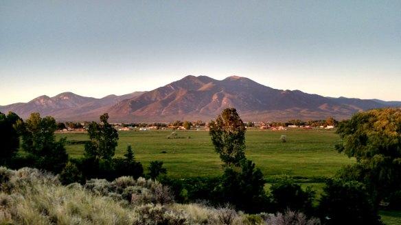 Taos_Pueblo_Peak_New_Mexico_1
