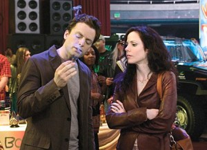 Justin Kirk and Mary Louise Parker co-star in Weeds