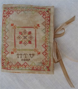A TOUCH OF ORANGE NEEDLEBOOK