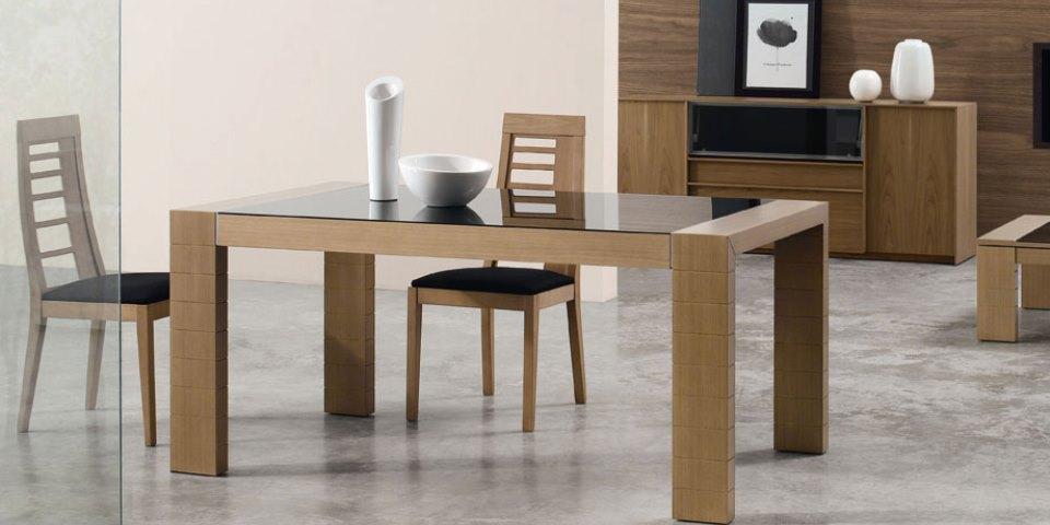 Mesa de comedor y sillas Modelo Pemi 2000