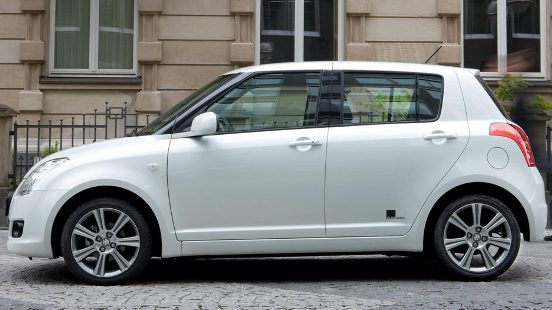 suzuki_swift_black_white-03.jpg