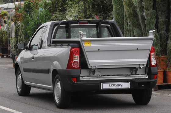dacia-logan-pick-up-volquete-2